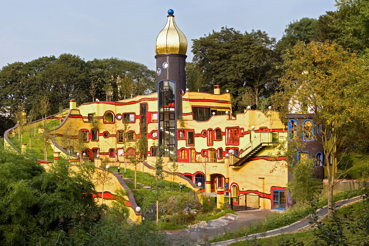 Hundertwasser essen springmann architektur for Hundertwasser architektur